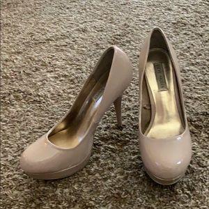 Shoes - Nude Steve Madden heels